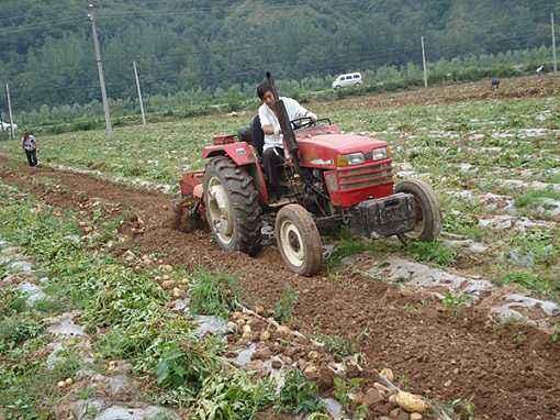 农业部:支持引导丘陵山区农业机械化加快发展
