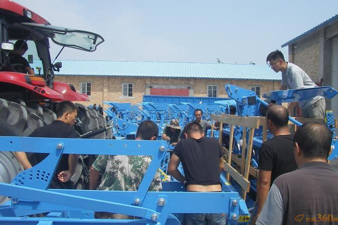 德国LEMKEN陕西农垦集团朝邑农场8台机具交机圆满结束