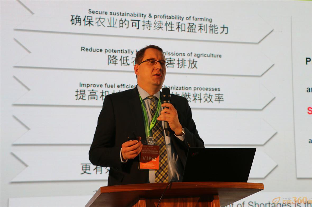 CLAAS全球企业产品战略专家 Martin-Leinker农学博士