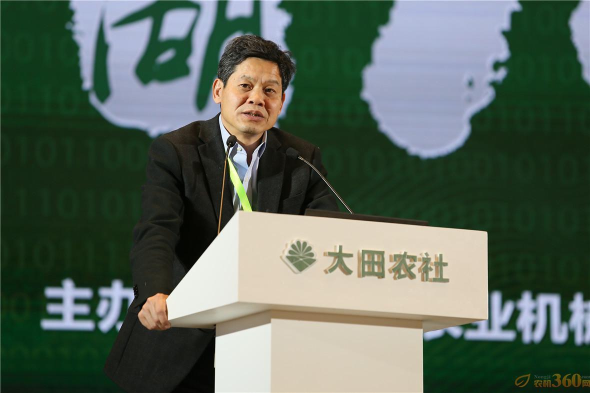 中国农业部农机化司司长李伟国强调,目前中国的农业机械化发展,已经进入了转型升级的新阶段。