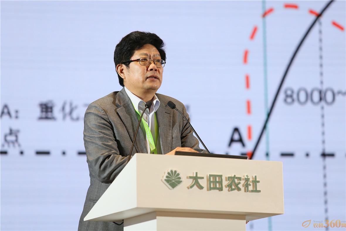 中国农业科学院副院长梅旭荣从建设农业科技创新性国家的角度,分析了中国数字农业存在的问题和发展方向。