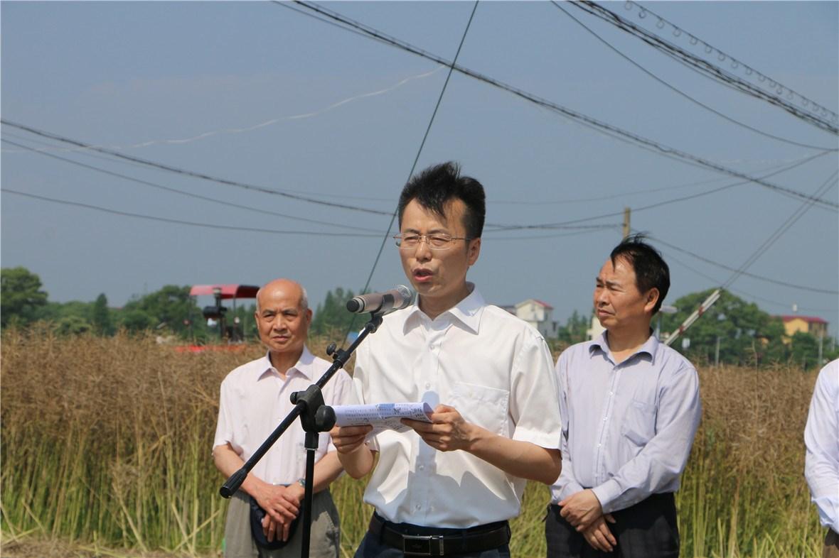 江西省安义县彭开先县长致辞。