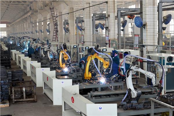 机器人自动化焊接生产线.jpg