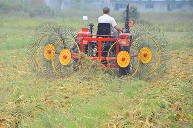 河北省关于暂停新民市丰耘农机装备制造有限公司有关产品农机购置补贴资格的通知