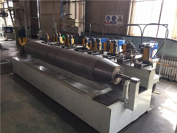 雷沃重工自主研发自动化焊接设备助力滚筒质量升级