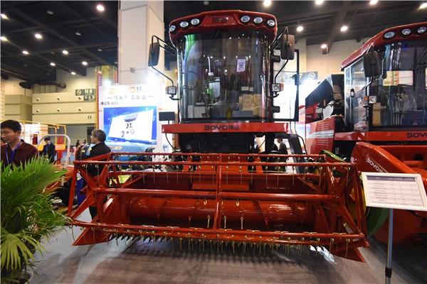 智能高效 中农博远郑州展引围观