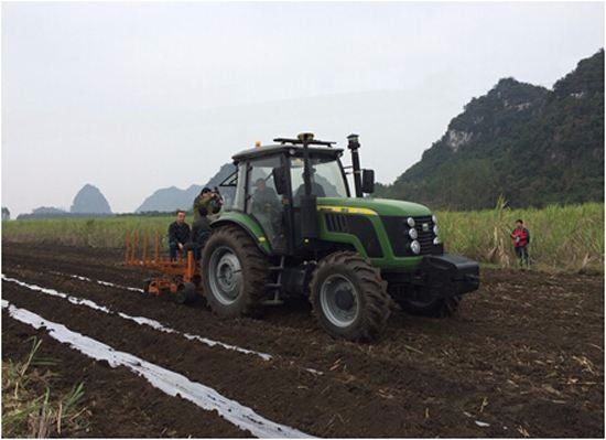 机械耕作让广西农民轻松种田