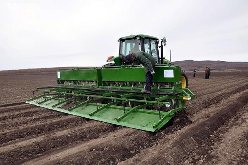 黑龙江农垦2018-2020年农业机械购置补贴实施方案的通知