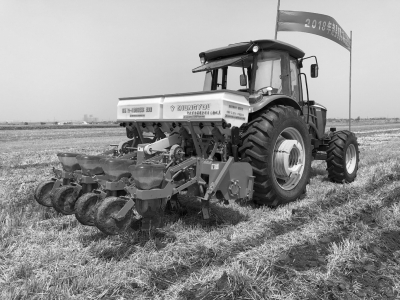 河北:精准农业引领全程机械化突破1.jpg
