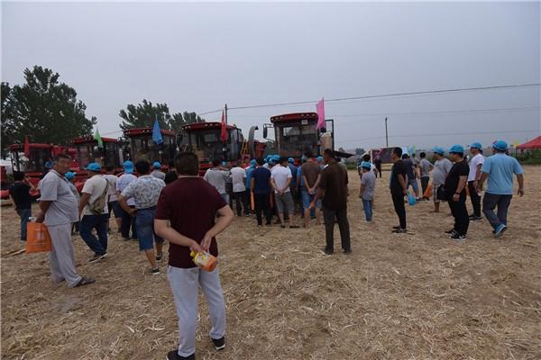 2018年中农博远玉米收获机与秸秆综合利用现场演示会胜利召开