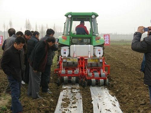 各地农机部门采取措施积极推进农机购置补贴工作