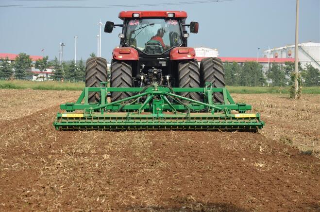 去年全国农机深松补贴面积超九成实现远程智能化检测