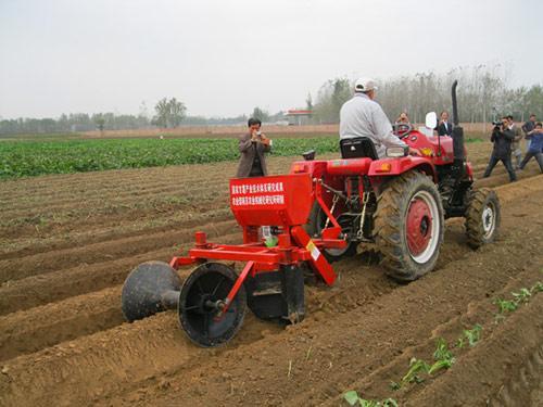 重庆市甘薯生产机械化现场会成功召开