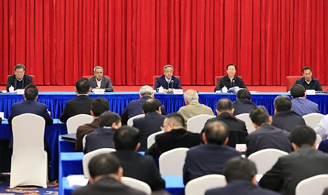 胡春华在庆祝农村改革40周年座谈会上强调 扎实推进新一轮农村改革