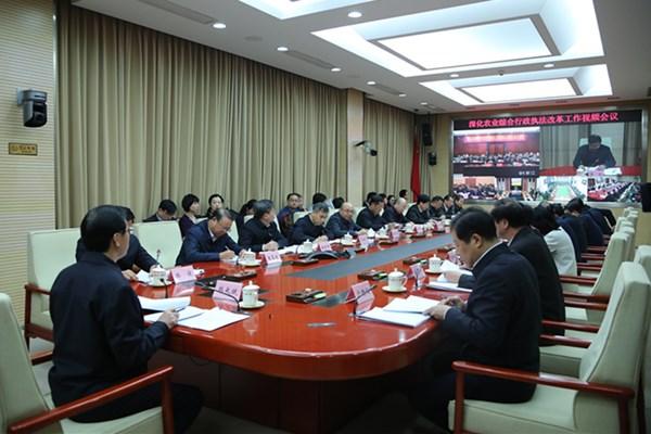 韩长赋:加快推进农业综合行政执法改革  为实施乡村振兴战略提供法治保障