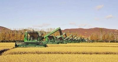 端牢 14亿人的饭碗离不开农机化