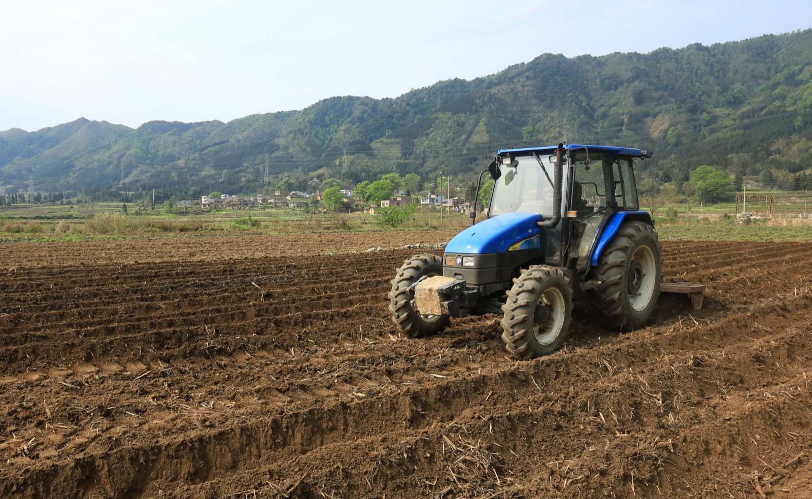 春耕生产从南到北全面展开 农业高质量发展开局良好