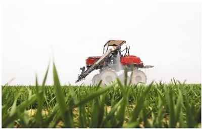 农忙正当时 智能农机显身手
