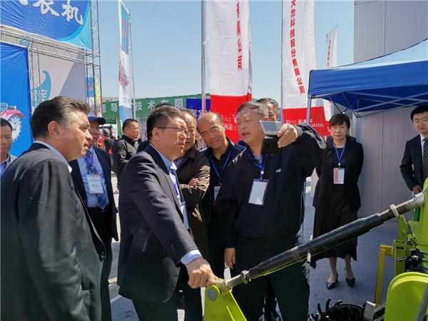 德邦大为产品亮相新疆2019农业机械博览会