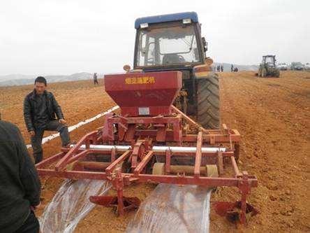 云南省关于加快推进农业机械化和农机装备产业转型升级的实施意见