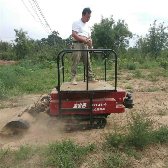 农机摇控握在手 耕地锄草不发愁
