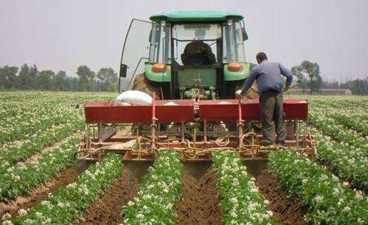 安徽推进农作物生产全程机械化