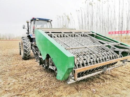 抓好地膜污染治理 促进农业绿色发展