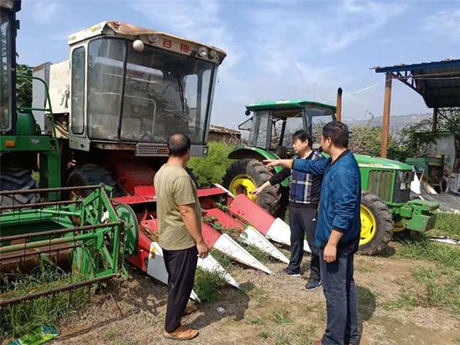 灵宝市农机局挺进一线排雨患 检修农机保安全
