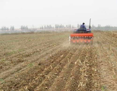 大连对四种保护性耕作方式进行奖补