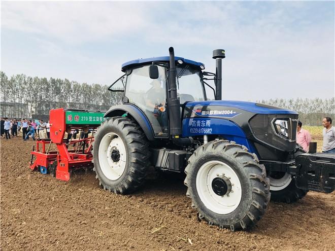 雷沃阿波斯助推山东省小麦玉米全程机械化作业