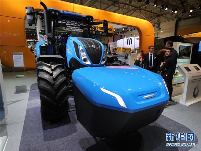 【图文】新华网:德国汉诺威国际农业机械展览会上亮相的中外农机