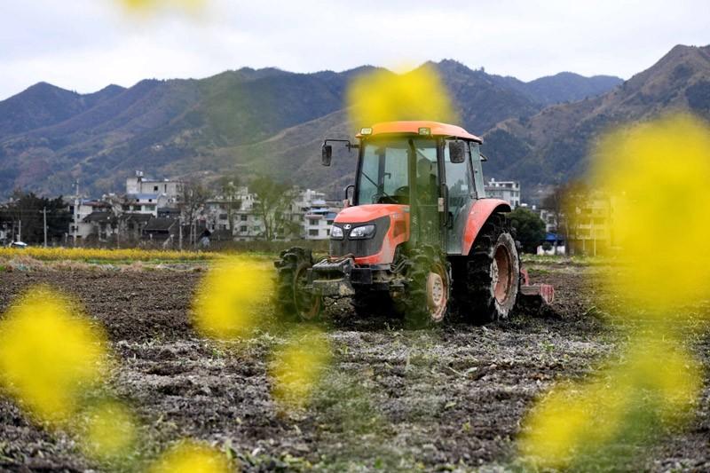 贵州省关于调整下达2019年中央农机购置补贴资金的通知