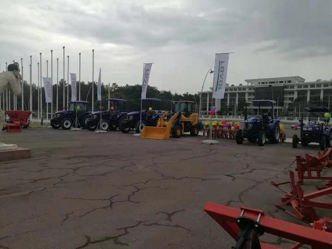 雷沃重工重磅亮相刚果(布)第一届农业机械展览会尽显高端品质