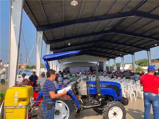 雷沃拖拉机受邀参与瓦哈卡州千人展销会
