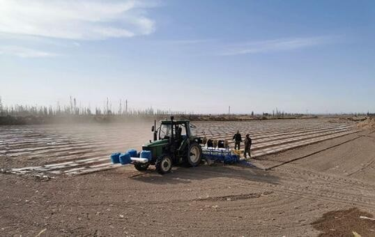 """新机械 新技术——让棉花种植告别""""人海战术"""""""