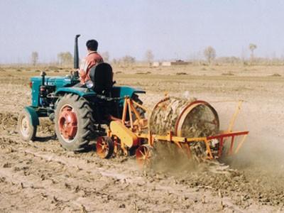 对机械化捡拾给予适当补贴!青岛市加大农用地膜污染防治政策扶持