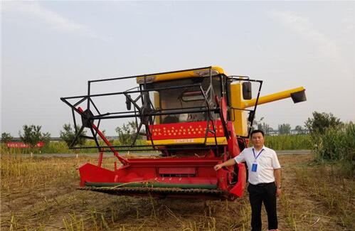 """""""农机超人""""王东伟:""""我的梦想是有种花生的地方,就有我们的播种机"""""""