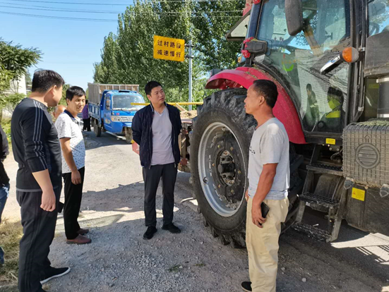 灵宝市农机局:三秋农机安全检查到五亩