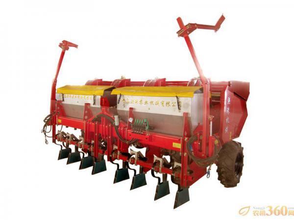 马铃薯起垄种植图片_洪珠2CM-4/4A四垄四行马铃薯种植机